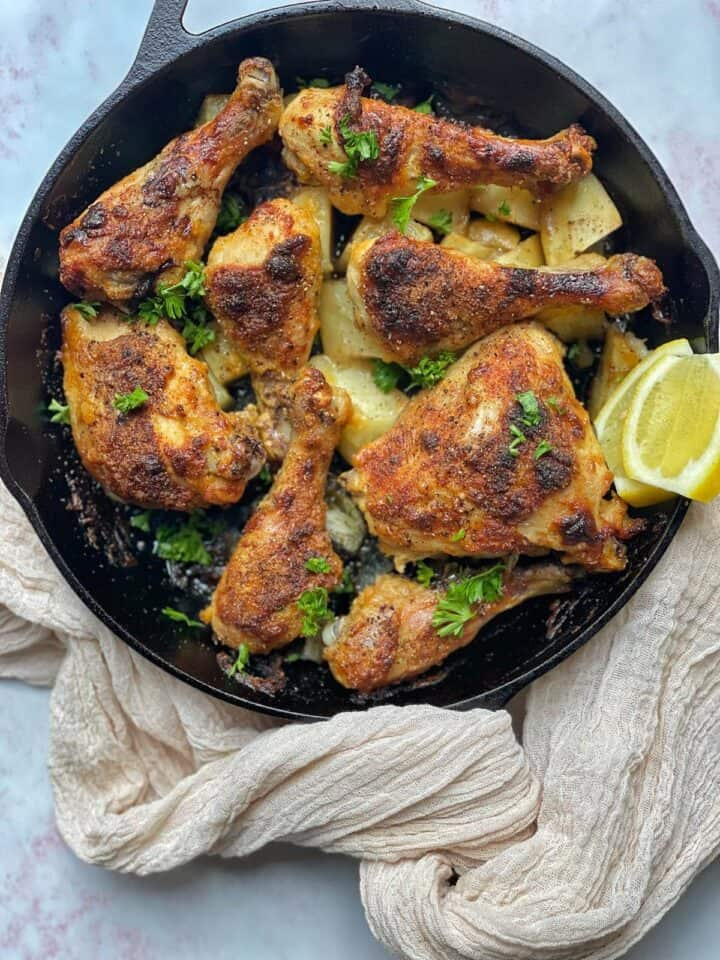This one-pan Ranch Chicken Thighs recipe with potatoes has the flavors, textures, and all what makes a meal deliciously filling!